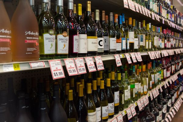 Beer & Wine | Mako's Market and Pharmacy