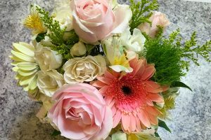 Custom Flowers | Mako's Market and Pharmacy